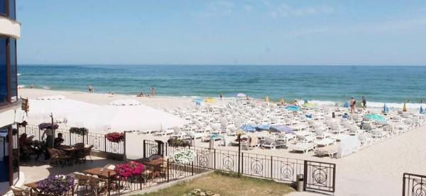 оборудованный пляж Затоки